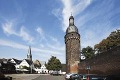 Germany, North Rhine Westphalia, Zons, Citywall with tower Juddeturm - stock photo