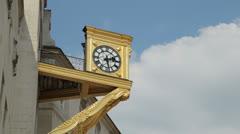 Leeds, gold clock, civic hall, england Stock Footage