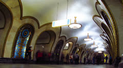 People swarming in subway station, Moscow, time-lapse.. Stock Footage
