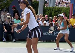 2006 US OPEN Doubles, Marion Bartoli & Shahar Peer Stock Photos