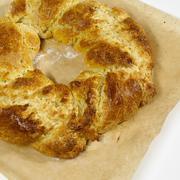 Vanilla cake chaplet, close-up Stock Photos