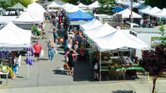 Time lapse of people from above the Ojai Farmers Market in Ojai, California. Stock Footage