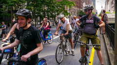 Time Lapse Bicyclist, joggers and walkers enjoy New York City's Summer Streets Stock Footage