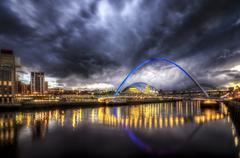 United Kingdom, England, Newcastle, View of River Tyne and Millenium Bridge Stock Photos