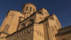 Tsminda Sameba Cathedral, Tbilisi, zoom out Stock Footage