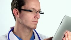 Doctor using ipad Stock Footage