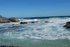 Atlantic Ocean waves arrived at the South African coast Stock Photos