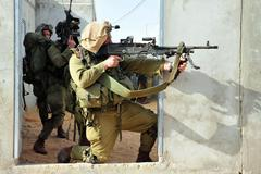 Israeli soldiers during urban warfare exercise Stock Photos