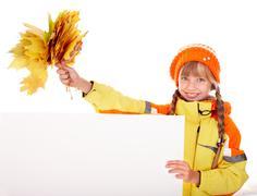 Tyttö syksyllä oranssi hattu lehtiä ryhmään, banneri. Kuvituskuvat