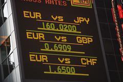 Valuutanvaihto raportti Kuvituskuvat