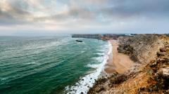 Tonelin Beach ja Atlantin valtamerellä lähellä Sagres, intervallikuvaus, Algarve Arkistovideo
