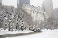 USA, New York City, Manhattan, street scene in winter - stock photo