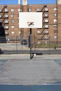 USA, New Yorkin osavaltiossa, New York City, koripallo leikkipaikka Kuvituskuvat