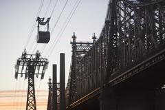 USA, New York, New York City, Manhattan, Queensboro Bridge, Overhead cable car - stock photo
