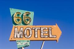 Reitti 66 motelli merkin hylätty motelli Kuvituskuvat