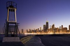 USA, Illinois, Chicago, kaupunkisiluetin päässä Lake Michigan auringonlaskun Kuvituskuvat