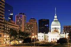 USA, Missouri, St Louis, Old courthouse illuminated at night - stock photo
