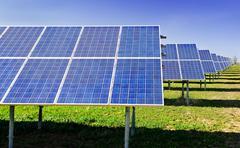 Aurinkovoimala paneelit Kuvituskuvat