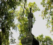 Civil war soldier monument Stock Footage