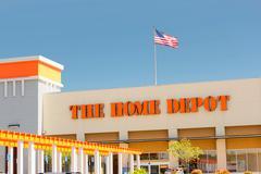 Sacramento, USA - 5 syyskuu: Home Depot myymälä sisäänkäynti 5. syyskuuta Kuvituskuvat