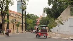 Street wat- Phnom Penh Stock Footage