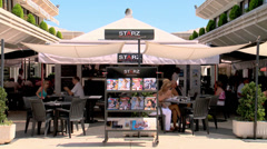 Starz bar cafe Stock Footage