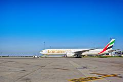 Emirates Boeing 777-31H ready for take off from Prague Airport Stock Photos