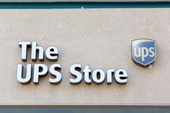 Sacramento, USA - 13 syyskuu: Ups Store 13. syyskuuta 2013 sacram Kuvituskuvat