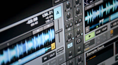 Digital DJ Software playing mp3, showing waveform Stock Footage