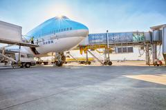 Korean Air Boeing 747 on the aircraft parking stand in Vaclav Ha Stock Photos