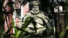 Shot of the Statue of Maharaja Lakshmeshwar Singh at Dalhousie Square Stock Footage