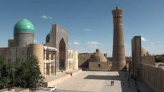 Overview of Kalon minaret, mosque and madrassa, Bukhara, Uzbekistan Stock Footage