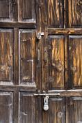 Lähikuva suljettu puinen ovi, Shimla, Himachal Pradesh, Intia Kuvituskuvat
