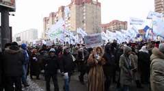 "Flags ""Yabloko"" and ""Yavlinskiy"" at The meeting ""For Fair Elections"" in Moscow 0 Stock Footage"