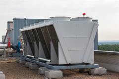 Teollisuuden ilmastointi katolla Kuvituskuvat