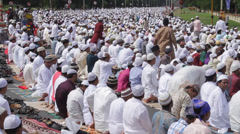 Celebration Eid al-Fitr In Kolkata Stock Footage