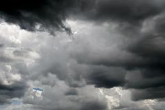 Synkkiä pilviä Kuvituskuvat