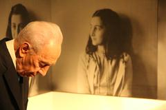 Shimon Peres Anne Frank - stock photo