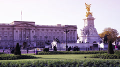 Time lapse of Buckingham Palace on a sunny day gradient color Stock Footage