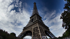 The eiffel tower in paris france Stock Footage