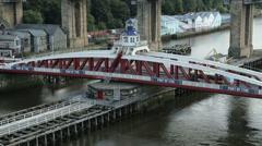 Bus crosses the swing bridge, newcastle upon tyne, england Stock Footage