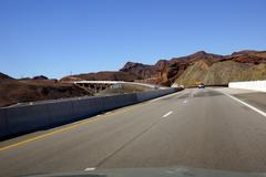 Valtatie ja Hooverin pato silta Kuvituskuvat