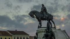 Statue of Matei Corvin in the center of Cluj Napoca, Transylvania Stock Footage