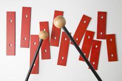 Nuijat valmistautuu pelata tangot ksylofoni puuttuu sen perusta Kuvituskuvat
