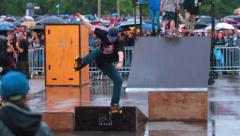 Skateboard show tricks springboard Stock Footage