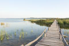 Croatia, Dalmatia, wooden footbridge at Vransko jezero Stock Photos