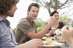 Kaverit Nautitaan Dinner Party Outdoors Kuvituskuvat