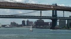 New York 357 industry behind Manhattan- and Brooklyn Bridge Stock Footage