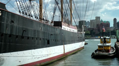 New York 353 South Manhattan, old sailing ship across from Brooklyn Stock Footage