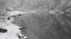 Paesaggio, lago Sant'Agostino, Italia, neve, nevicata Stock Footage